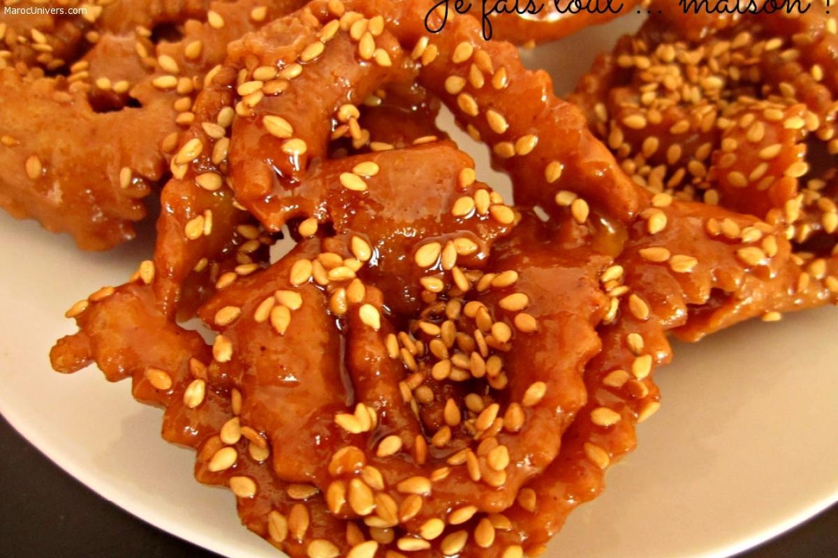 Chebakia: Biscuits marocains au sésame et au miel