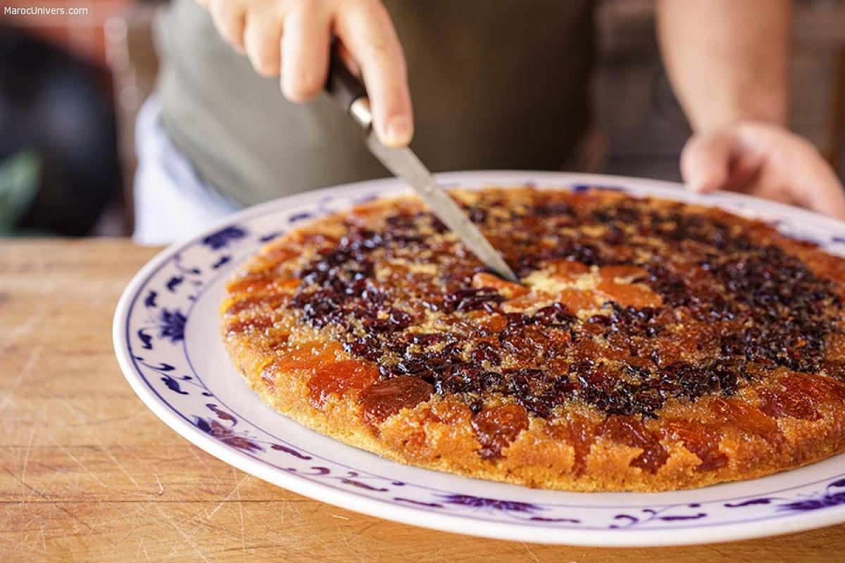 Gâteau renversé au mahleb, miel et fruits secs