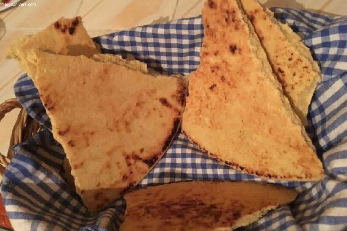 Kesra, aghroum ou khobz ftir (galette pain kabyle)