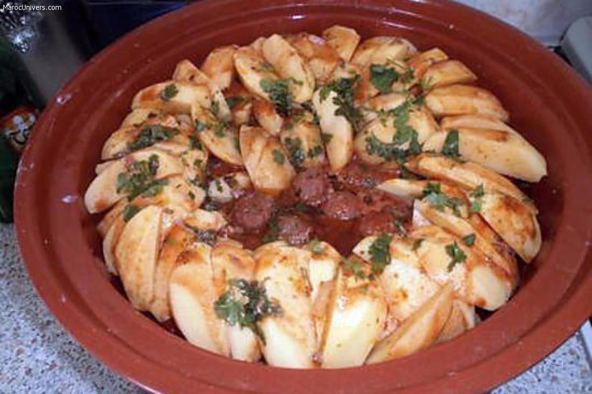 Tajine de pomme de terre,boulette et merguez