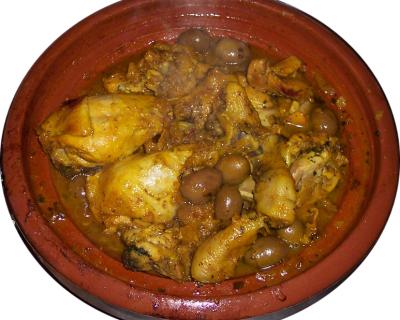 Tajine de poulet aux citrons confits et olives vertes