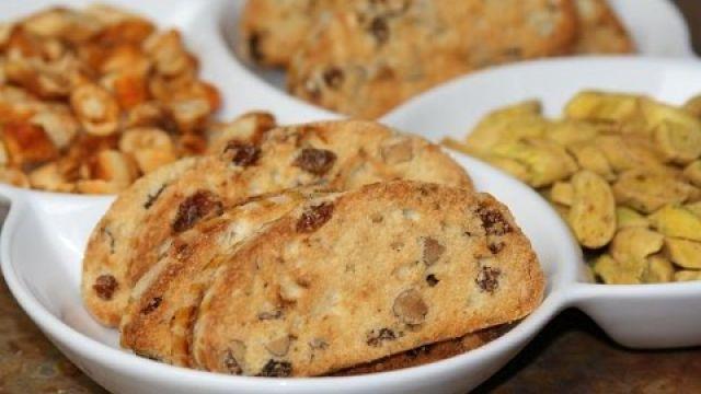 Fekkas Amandes & Raisins secs - Moroccan Almond & Raisin Cookie
