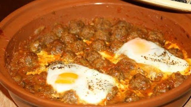 Tajine Marocain de Boulettes de Viande & Oeufs - Revisité